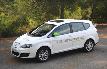 SEAT ПРЕДОСТАВИЛ МЭРИИ МАДРИДА ДВА ЭЛЕКТРОКАРА ALTEA XL ECOMOTIVE